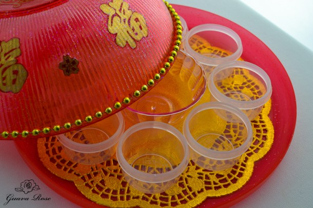 Chinese candy holder, with empty clear containers