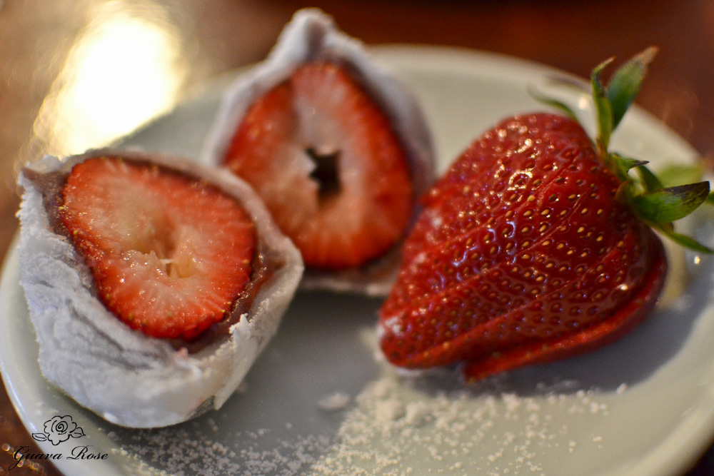 Ichigo Daifuku, Fresh strawberry and sweet bean filled mochi