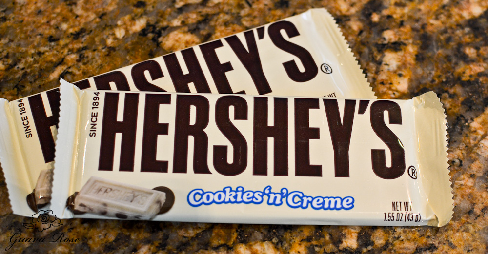 Hershey's Cookies n creme candy bars