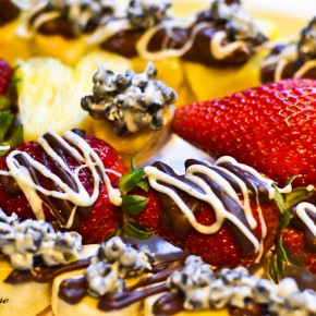 Chocolate Covered Kula Gold Fruit Skewers