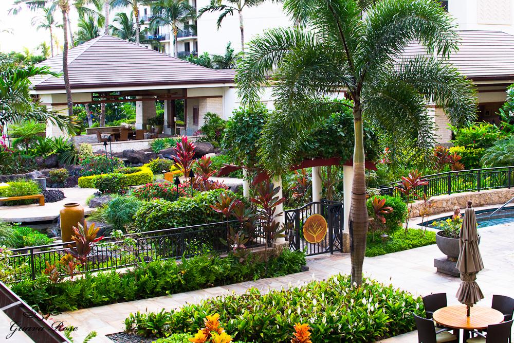 Ko'olina villa grounds