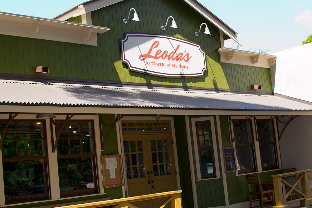 Front of Leoda's Kitchen and Pie shop