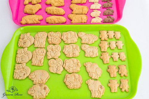Trays of whole animal crackers