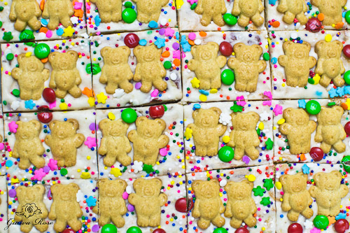 Teddy bear animal cracker fudge, cut