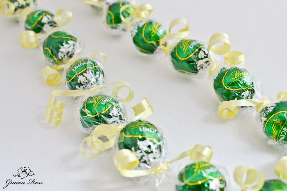 Green Kukui Nut Candy Lei, single curled ribbon