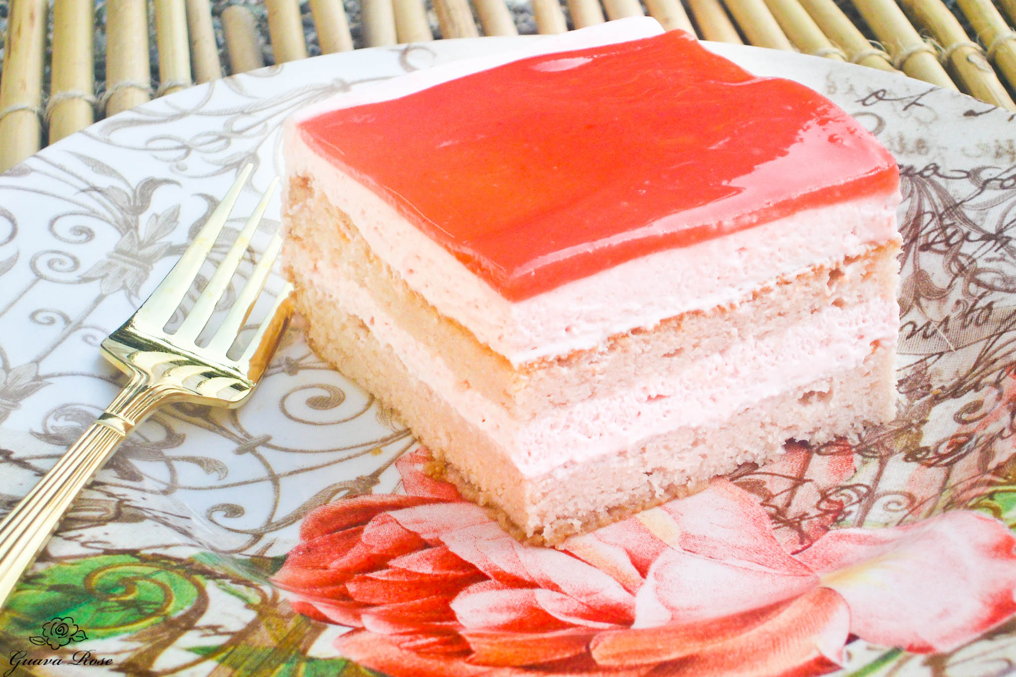 Piece of Guava chiffon cake (tutorial)