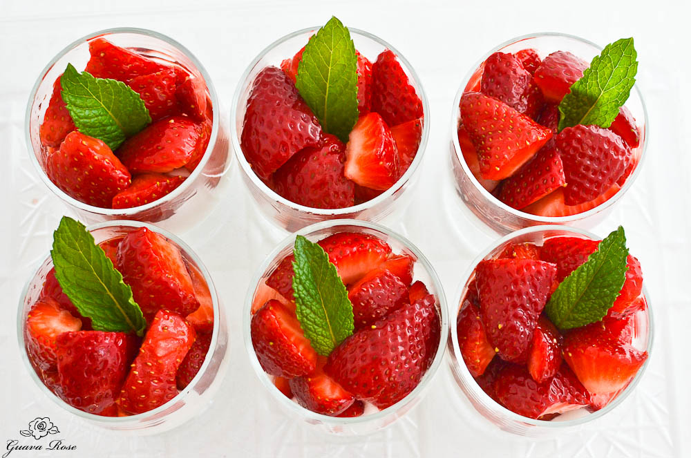 Strawberries and Cream Cups, top view DSC_0063