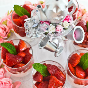 Strawberries and Cream Cups