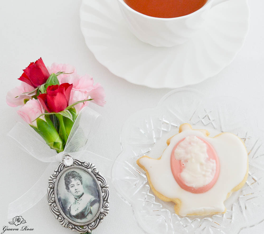 coconut Cream Cameo Cookie w/ flowers & Queen Emma Brooch & teacup