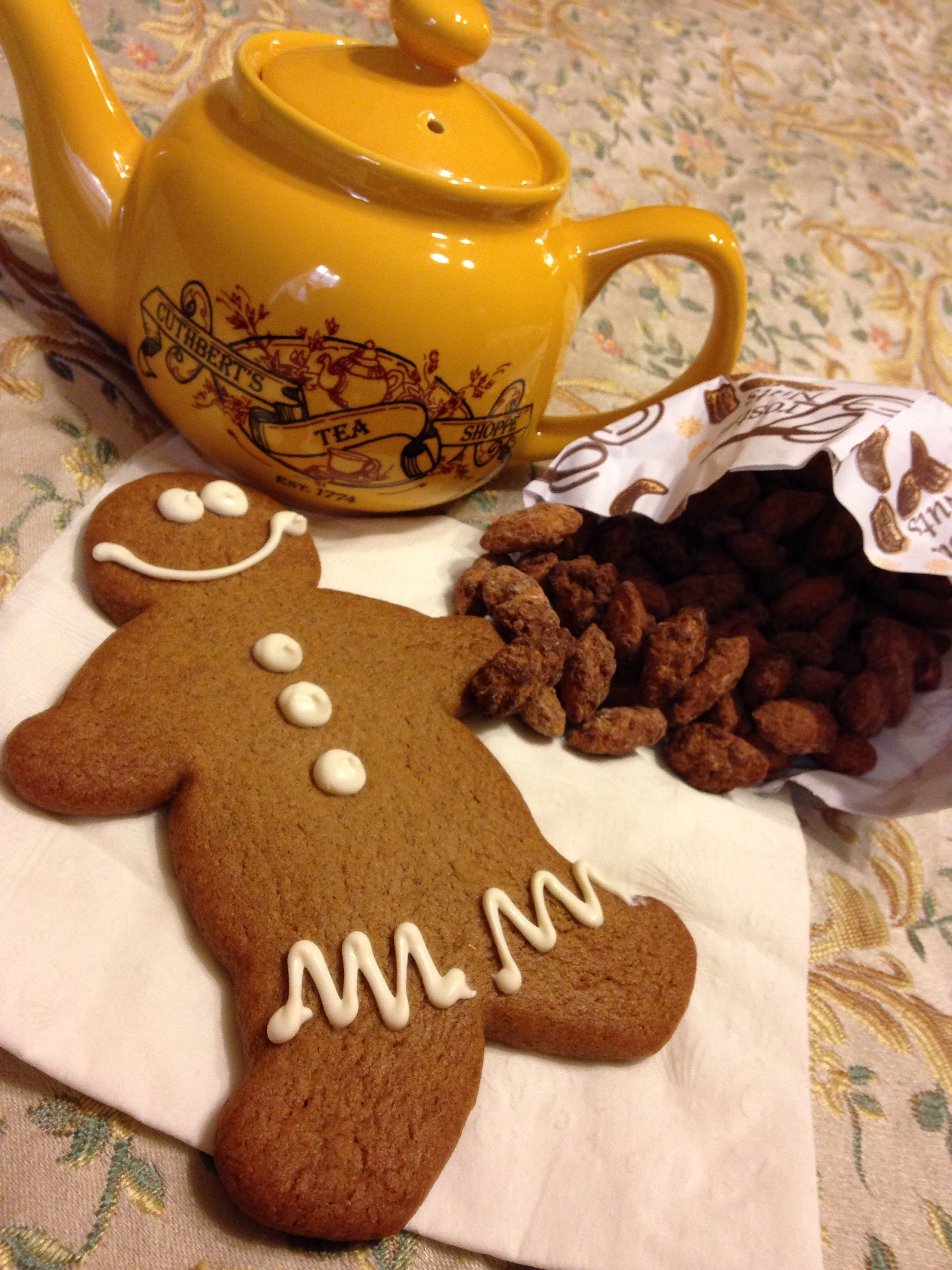 teapot, gingerbread man cookie, cinnamon almond crunch