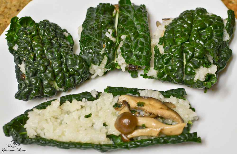 Assembling kale sticky rice dumpling