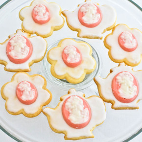 Coconut Cream Cameo Cookies